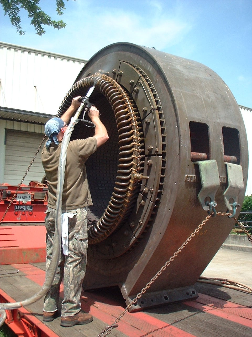 Dry Ice Blasting Electrical Equipment